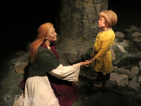 Mother and son figure at the Saga Museum