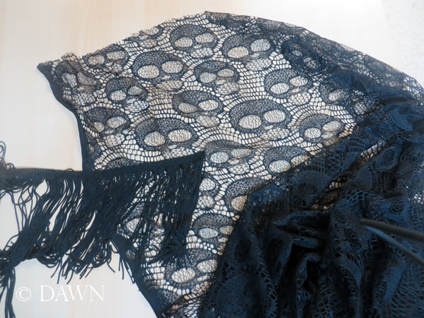 Materials for the skull lace shawl / scarf