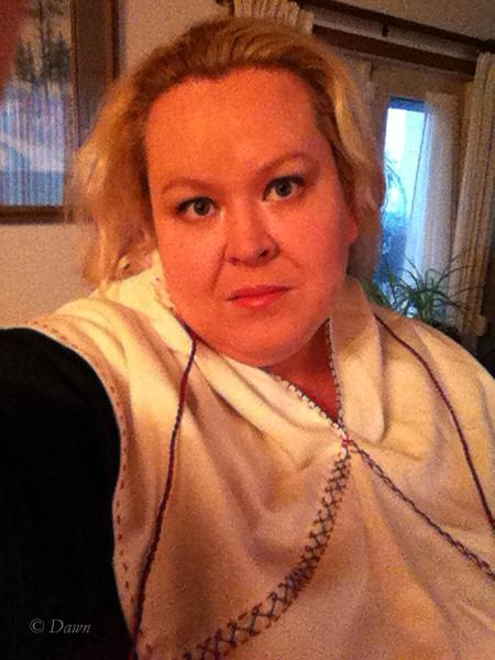 Skjoldehamn style hood in white wool - hood down iPhone selfie