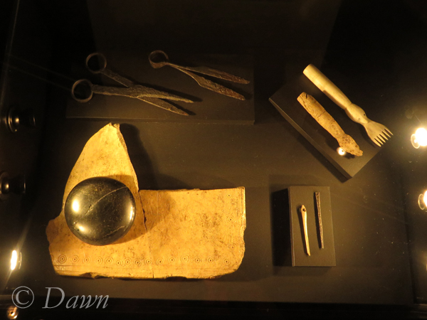 """Viking age """"ironing board""""  and other textile construction tools"""