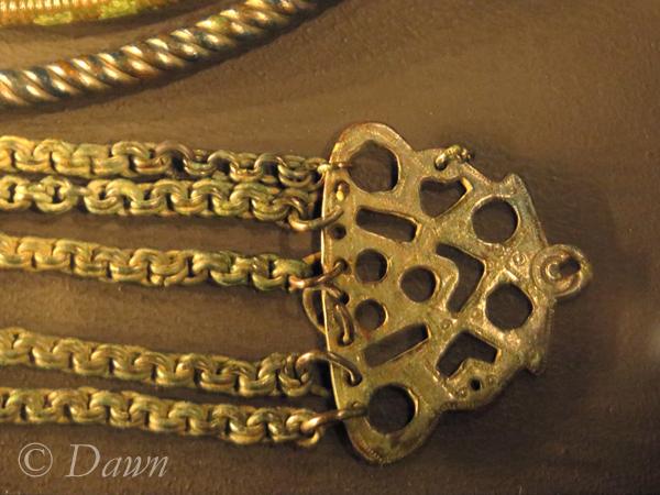 Chain hanger