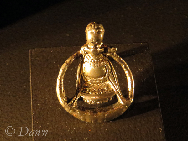 The pendant believed to be Freya, showing her necklace