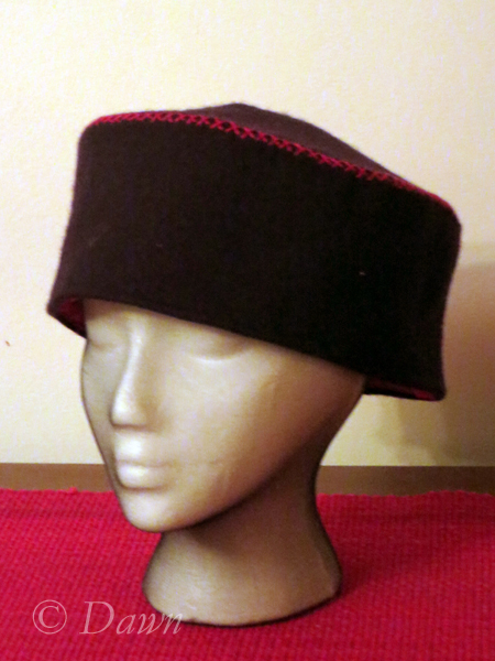 "wool ""pillbox"" hat"