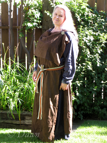 Brown wool peplos-style Finnish Iron/Viking Age