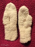 Finished pair of nålbinding mittens
