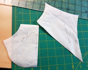 The pattern for the interlining for the German Gollar, supporting the neckline.