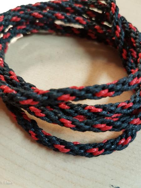 Black and red kumihimo