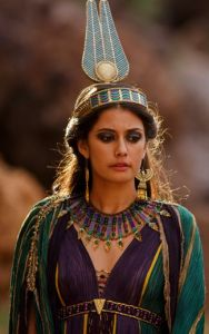 Queen Ankhe's purple and teal outfit from the miniseries Tut