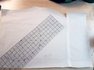 Drafting a hennin: start with a rectangle