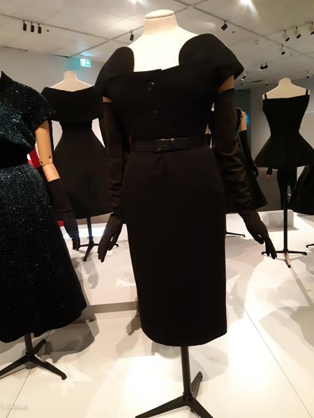 Dior's Invitation evening suit