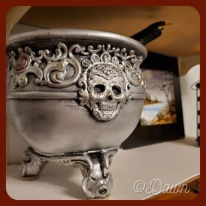 An updated cauldron that really fits my aesthetic better!
